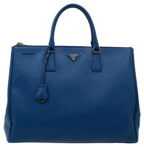 e7737c3aefa7 Added to Shopping Bag. Prada Leather Tote in Blue. Prada Double Lux Large  Double-zip Blue Saffiano ...