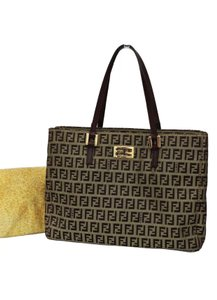 Fendi Totes on Sale - Up to 70% off at Tradesy 359a3da3df8