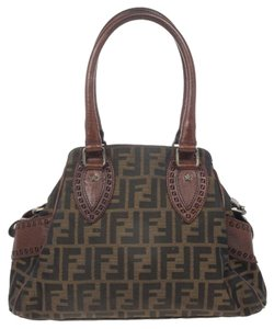 Fendi Shoulder Bags - Up to 70% off at Tradesy c352c468ce
