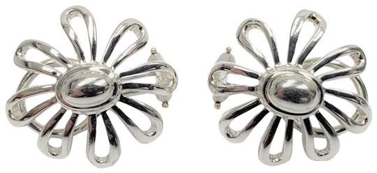 Preload https://img-static.tradesy.com/item/24874308/tiffany-and-co-silver-paloma-picasso-0925-sterling-daisy-flower-earrings-0-1-540-540.jpg