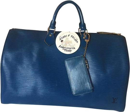 Preload https://img-static.tradesy.com/item/24874497/louis-vuitton-speedy-epi-40-and-coin-purse-blue-satchel-0-1-540-540.jpg