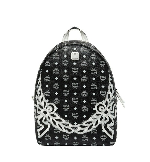 Preload https://img-static.tradesy.com/item/24875362/mcm-unisex-dietrich-laurel-monogram-coated-canvas-black-leather-pvc-backpack-0-0-540-540.jpg