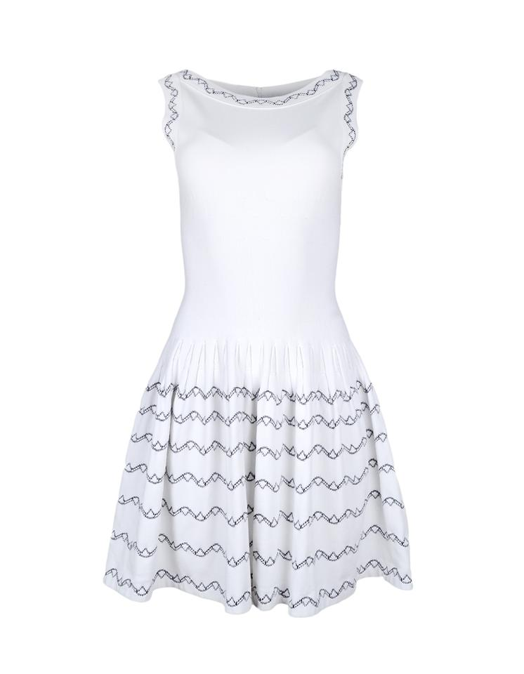 299d5636c53 ALAÏA White Black Fit   Flare Sleeveless with Embroidery 40 Short ...
