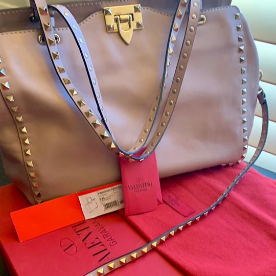 Valentino Tote in Dusty Light Pink Image 5