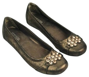 Kenneth Cole Reaction Brown Flats