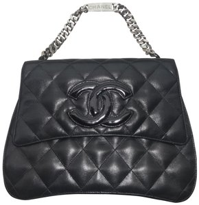 Chanel Vintage Cc Logo Tote in Black