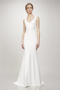 05ac0563ca061 Theia Ivory Marissa 890357 Modern Wedding Dress Size 2 (XS)