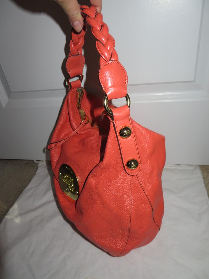 f5c7f254cbf6 Mulberry Daria Medium Leather Hobo Bag. 123456789101112