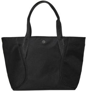 Black Lululemon Bags - Up to 90% off at Tradesy c91d5b89732dd