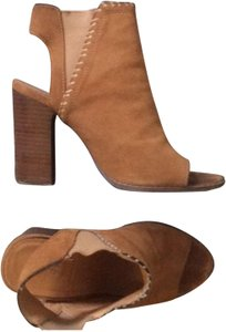 2467997ea911 Urban Outfitters Boots   Booties - Up to 90% off at Tradesy