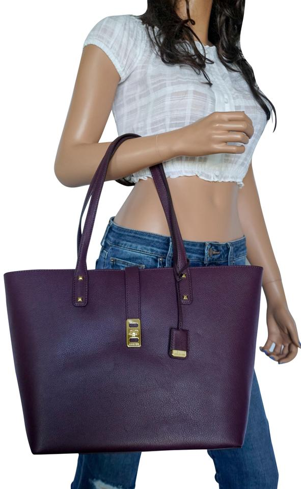 a1d7bc5f3c8ee6 Michael Kors Karson Lg Carryall Shoulder Plum (Damson) Leather Tote ...