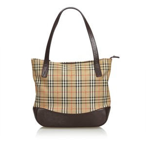 2da7af8d7ff1 Brown Burberry Bags - Up to 90% off at Tradesy (Page 4)