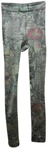 Hue Floral Soft Comfy warm taupe with black/red Leggings