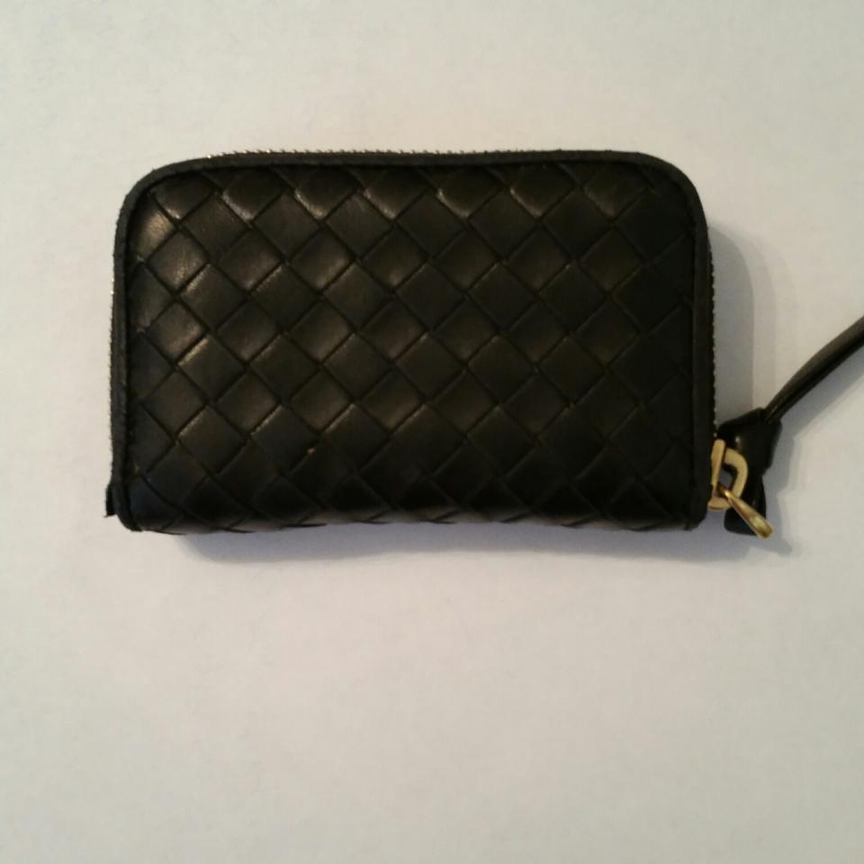 ded6b107a2cb0 Bottega Veneta Black Intrecciato Zip-around Card Case Wallet - Tradesy