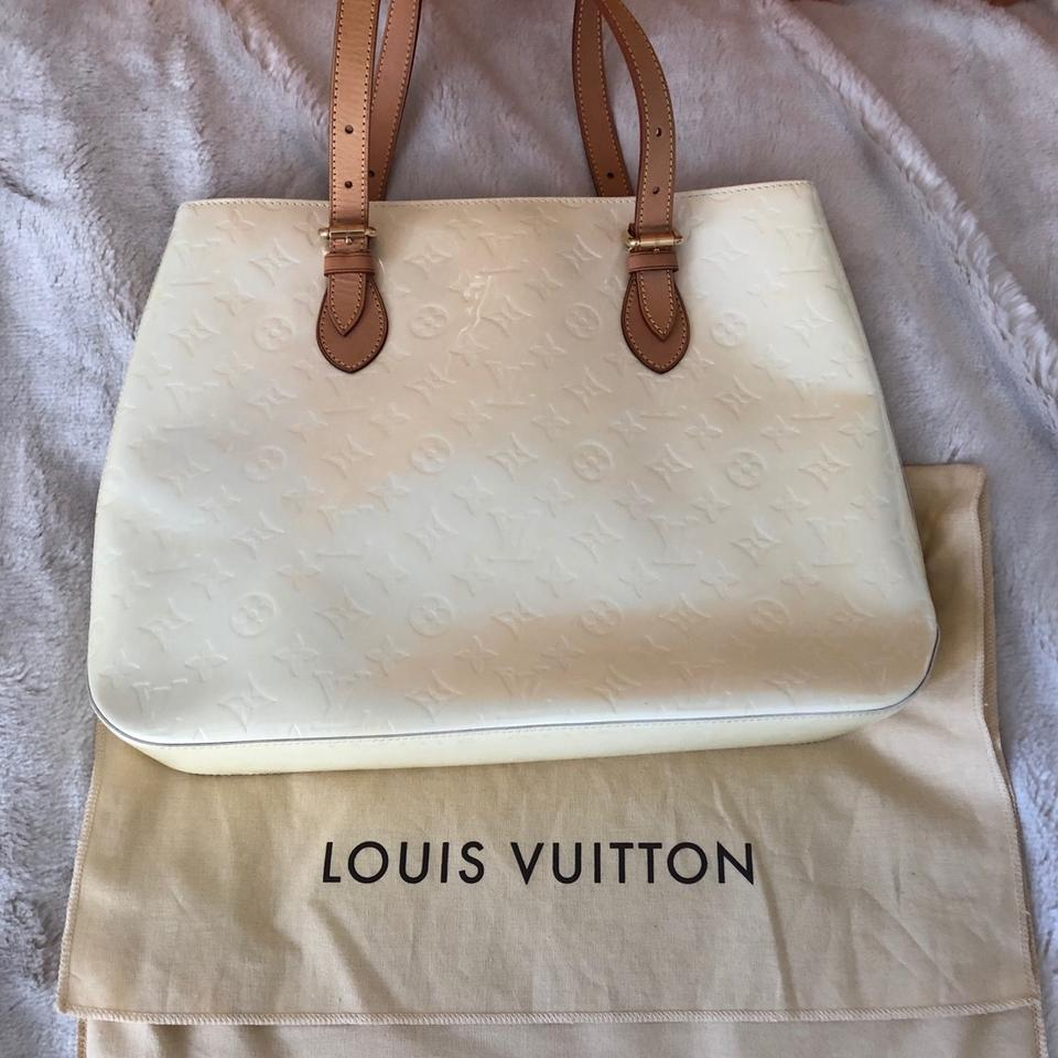 7bbba0c67866 Louis Vuitton Brentwood Monogram Vernis In Pearl Patent Leather Shoulder Bag  - Tradesy