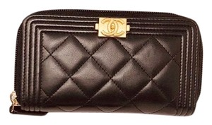 Chanel CHANEL SMALL ZIPPED BOY WALLET