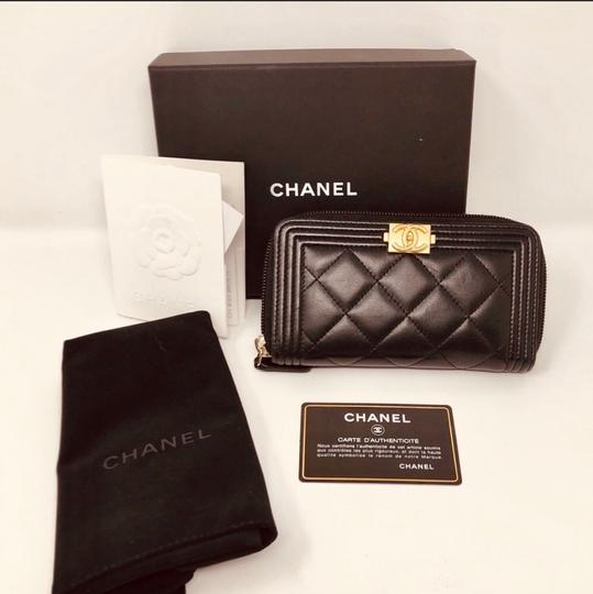 Chanel CHANEL SMALL ZIPPED BOY WALLET Image 1