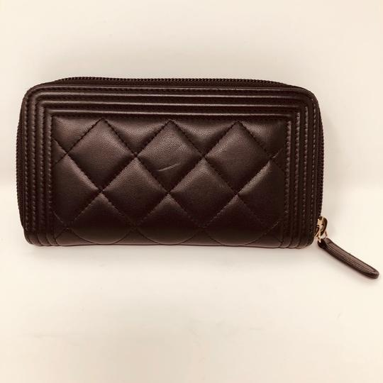 Chanel CHANEL SMALL ZIPPED BOY WALLET Image 2