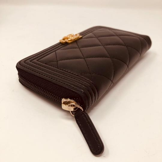 Chanel CHANEL SMALL ZIPPED BOY WALLET Image 3