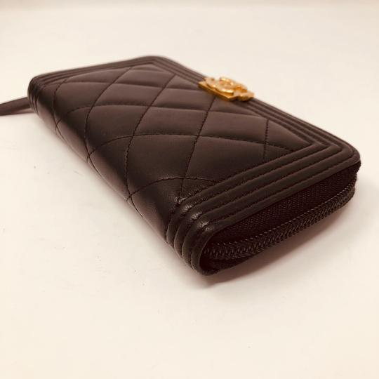 Chanel CHANEL SMALL ZIPPED BOY WALLET Image 4