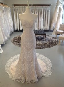 Maggie Sottero Ivory Over Soft Blush Lace Kirstie Feminine Wedding Dress Size 8 (M)