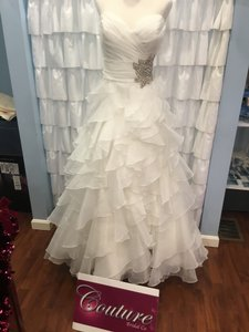 Allure Bridals Ivory/ Silver 8862 Traditional Wedding Dress Size 18 (XL, Plus 0x)
