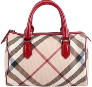b627f2bdbd01 Burberry Nova Check Totes - Up to 70% off at Tradesy