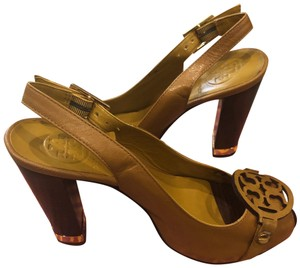 Tory Burch French yellow Pumps