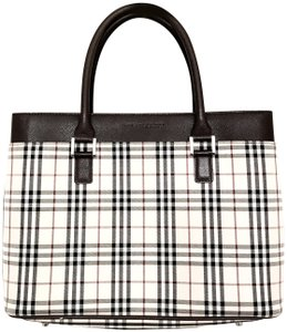 1542c078e Green Burberry Totes - Up to 70% off at Tradesy