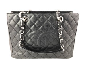 Chanel Shoulder Bags on Sale - Up to 70% off at Tradesy 5ad8c26d52