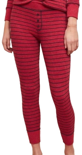 Preload https://img-static.tradesy.com/item/24887518/sundry-red-leggings-size-2-xs-26-0-2-650-650.jpg