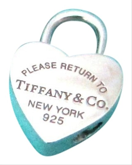 Preload https://img-static.tradesy.com/item/24887581/tiffany-and-co-sterling-silver-return-to-heart-padlock-charm-0-1-540-540.jpg