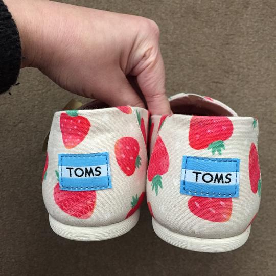 TOMS red/white Flats