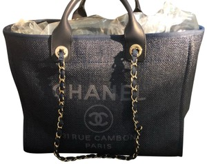 2235d45a3b484 Blue Chanel Totes - Up to 90% off at Tradesy