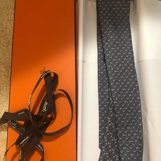 Hermès Hermes Patterned silk Tie in horse patterns