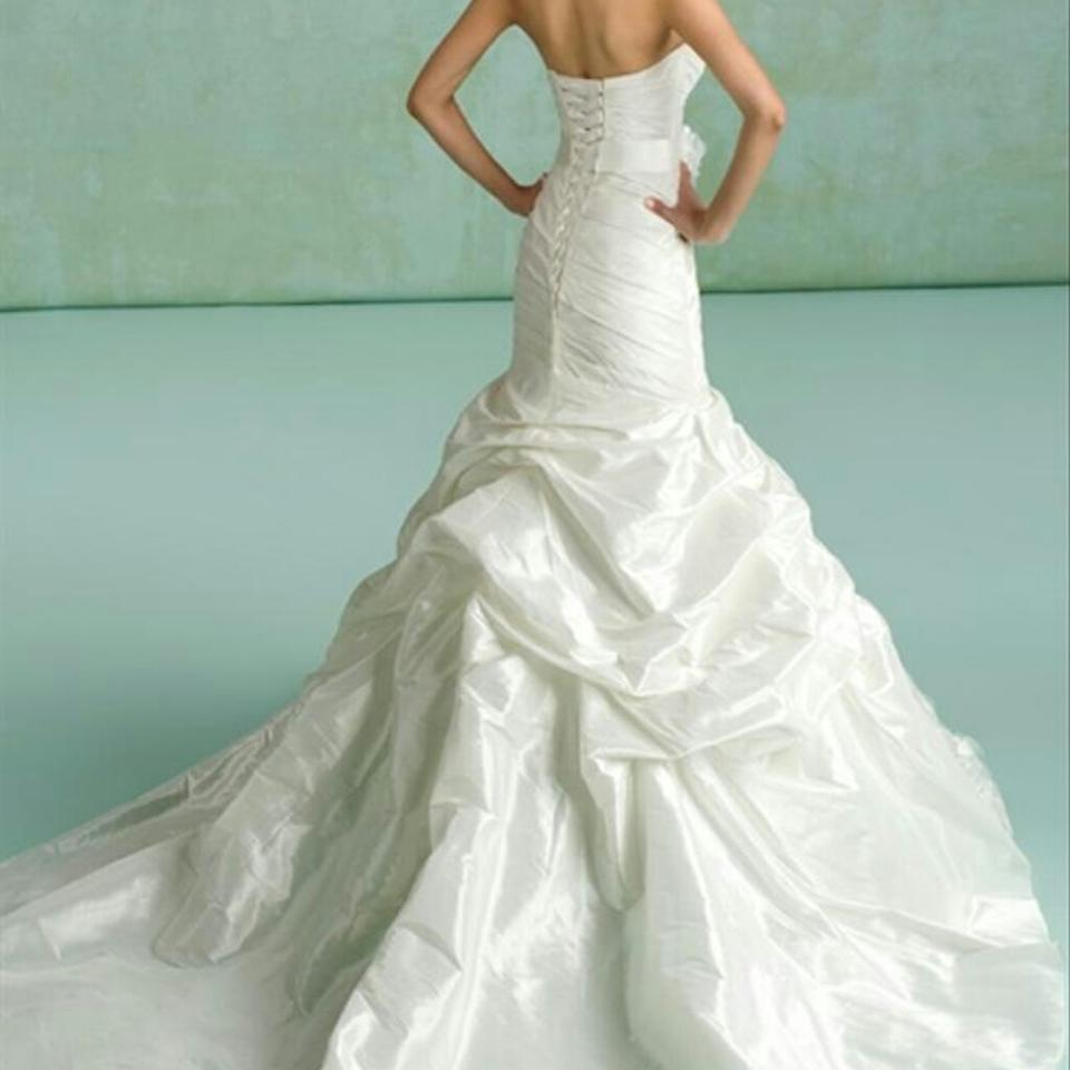 abc5f77a55702 KittyChen Couture Ivory Satin Daisy Formal Wedding Dress Size 10 (M ...