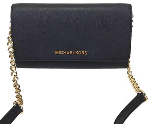 d4825c143cfe3e Michael Kors Clutches - Up to 70% off at Tradesy (Page 4)