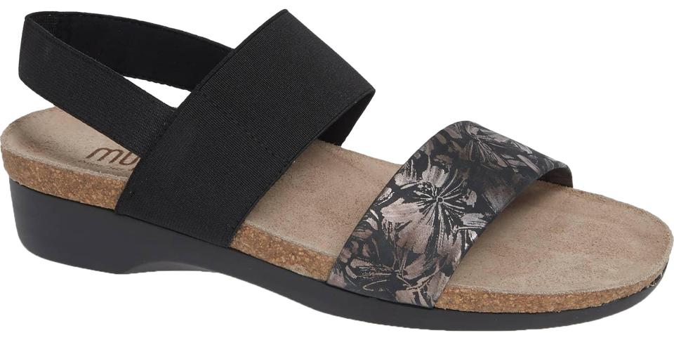 fe63bcc44 Munro American Black Floral Stretch Pisces Sandals Size US 10.5 ...