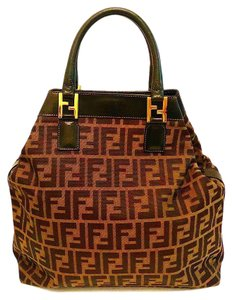 1e4d567f8c7 Fendi Bags on Sale - Up to 70% off at Tradesy (Page 2)