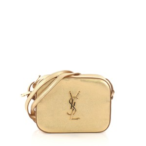 0ec5b2edee3e Gold Saint Laurent Bags - Up to 90% off at Tradesy