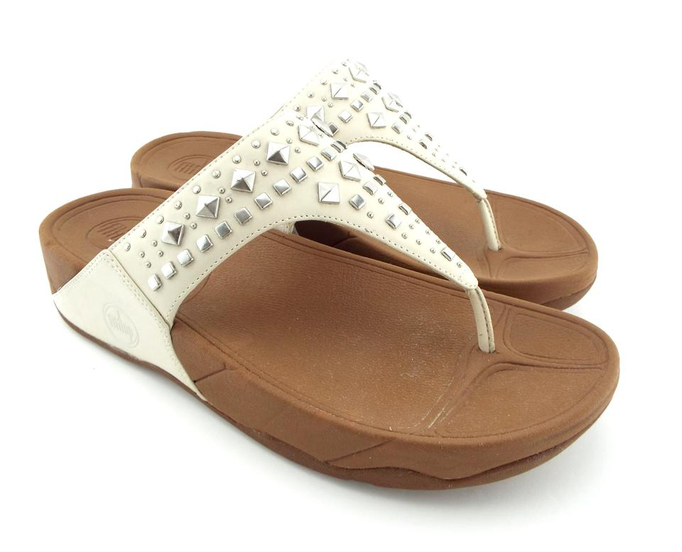 73f59e1fb1549 FitFlop Urban White Studded Flip Flop Thong Sandals Size US 8 ...