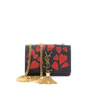 ea5bfd426a99f Saint Laurent Black Crossbody Bags - Up to 70% off at Tradesy (Page 5)