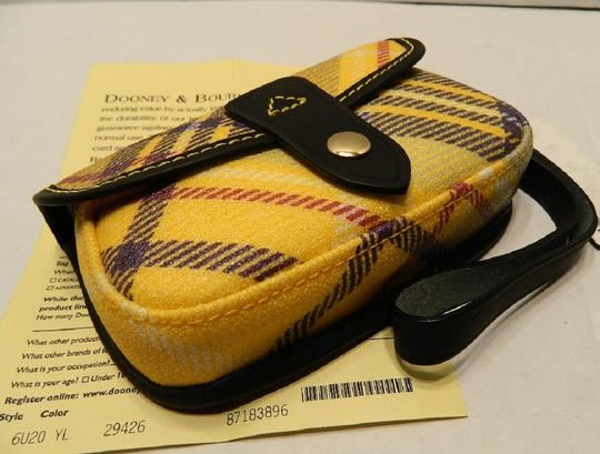 Dooney & Bourke New With Tags Plaid Dooneybourke Wristlet in Yellow/Black/Multicolor Image 10