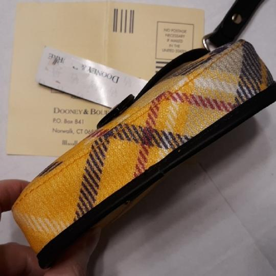 Dooney & Bourke New With Tags Plaid Dooneybourke Wristlet in Yellow/Black/Multicolor Image 3