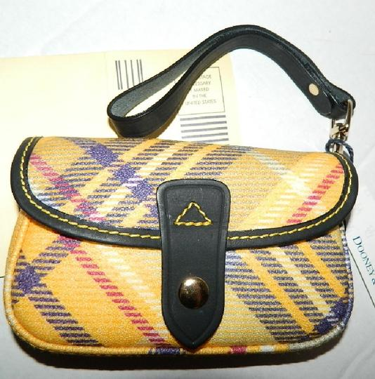 Dooney & Bourke New With Tags Plaid Dooneybourke Wristlet in Yellow/Black/Multicolor Image 9