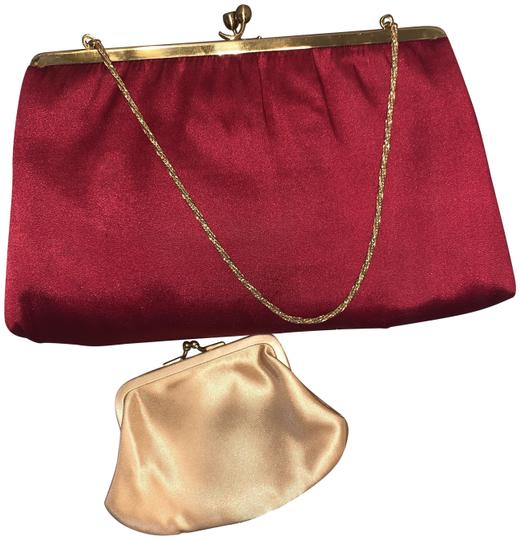 Preload https://img-static.tradesy.com/item/24893099/vintage-50s-mm-hand-red-satin-clutch-0-1-540-540.jpg