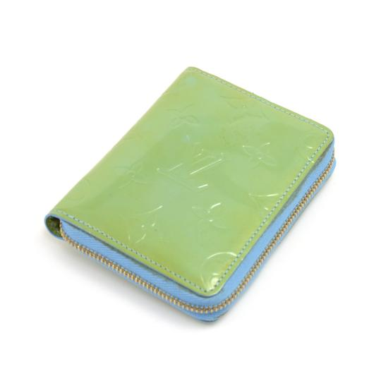 Preload https://img-static.tradesy.com/item/24894015/louis-vuitton-green-vintage-lime-and-blue-vernis-leather-bifold-wallet-0-0-540-540.jpg