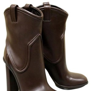 17bfb1b03b9 Brown Gucci Boots   Booties - Up to 90% off at Tradesy