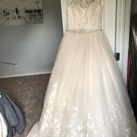 Stella York Ivory/Moscato/Almond Tulle/Lace Ballgown Formal Wedding Dress Size 8 (M) Image 1
