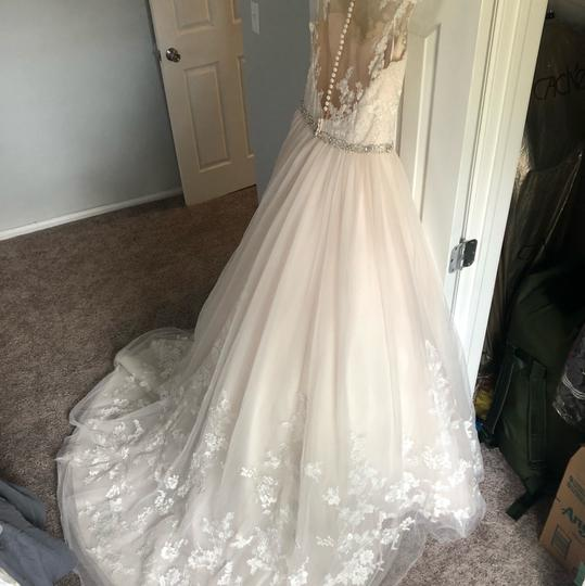 Stella York Ivory/Moscato/Almond Tulle/Lace Ballgown Formal Wedding Dress Size 8 (M) Image 4